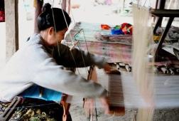 textiles weaving luang prabang
